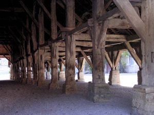 Vue intérieure des halles de Belvoir