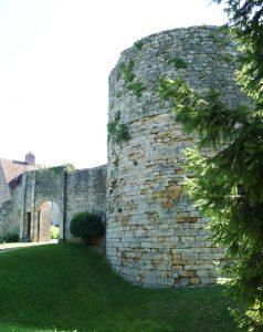 M054-G Une tour du château
