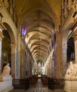 Intérieur de la cathédrale Saint-Jean