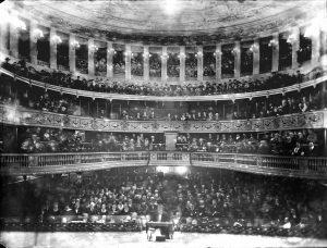 L'intérieur du théâtre de Besançon avant l'incendie