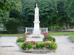 Le monument aux morts de Courcelles