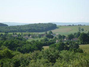 M054-I Vue sur le village d'Étrabonne